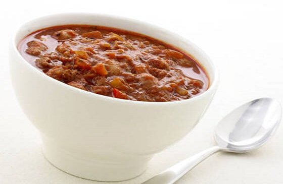 Aštri čili sriuba su jautiena