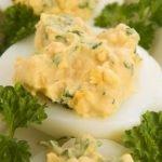 Kiaušiniai įdaryti fermentiniu sūriu