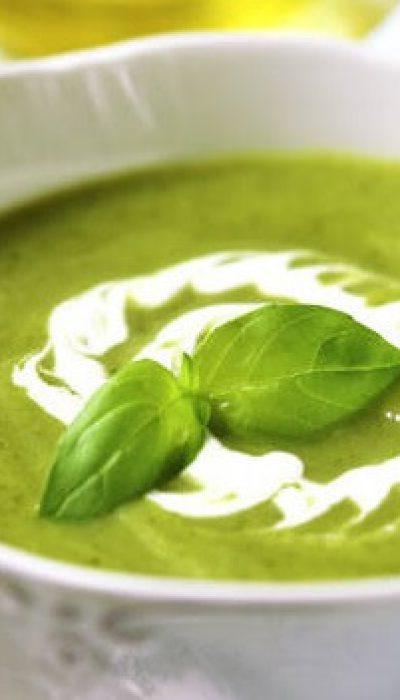 Trinta špinatų ir žaliųjų žirnelių sriuba