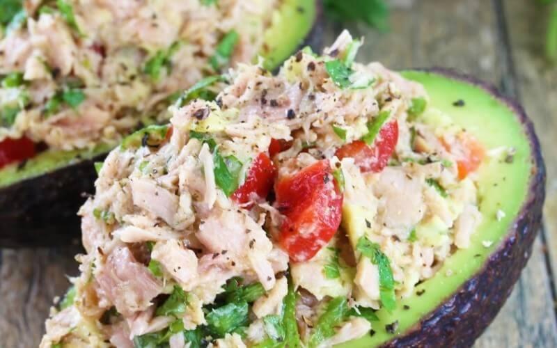 Avokado ir tuno užkandis