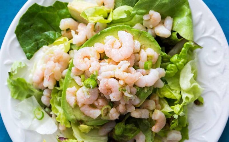 Krevečių ir avokado salotos
