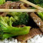 Jautiena su brokoliais ir ryžiais