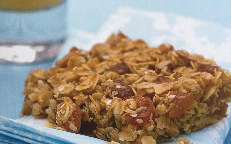Avižinių dribsnių sausainiai su abrikosais