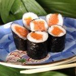 Sushi su lašiša