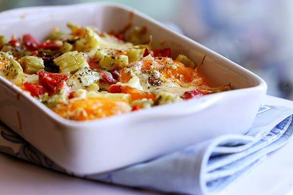 Daržovių užkepėlė su sūriu