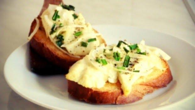 Karšti sumuštiniai su varškės sūriu