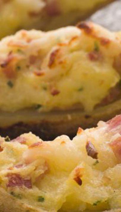 Orkaitėje keptos bulvės su kumpio ir sūrio įdaru