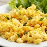 Plakta kiaušinienė su varškės sūriu