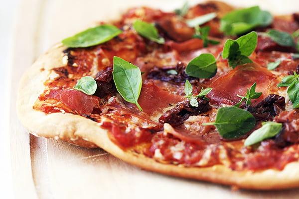 Paprasta pica itališkai