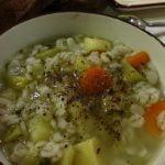 Perlinių kruopų sriuba su agurkais