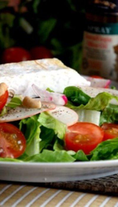 Salotos su keptu brie sūriu