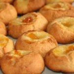 Sausainiai su džemo lašeliu
