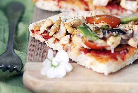 Storapadė pica su vištiena
