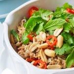 Tailandietiškos kiaulienos salotos