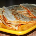 Tortilijų ir sūrio užkandis
