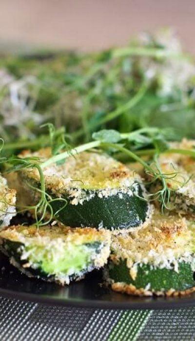 Orkaitėje kepti cukinijos griežinėliai su parmezano sūriu