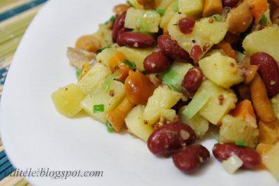 Bulvių salotos su marinuotais grybais
