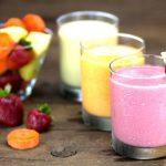 """5 sveiki, baltyminiai vaisių ir uogų """"smoothie"""" kokteiliai"""