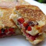 Keptuvėje kepti karšti sumuštiniai