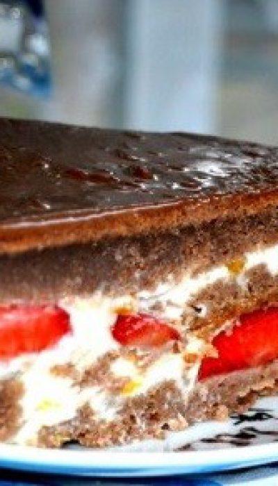 Šokoladinis tortas su jogurto kremu