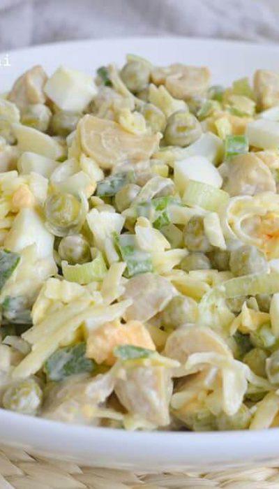 Marinuotų pievagrybių salotos su kiaušiniais ir sūriu