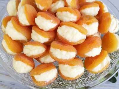 Džiovinti abrikosai su varškės įdaru