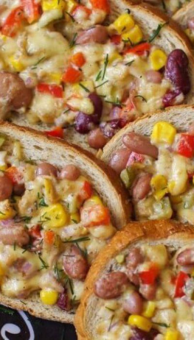Pikantiški karšti sumušiniai su tunu, pupelėmis ir kukurūzais